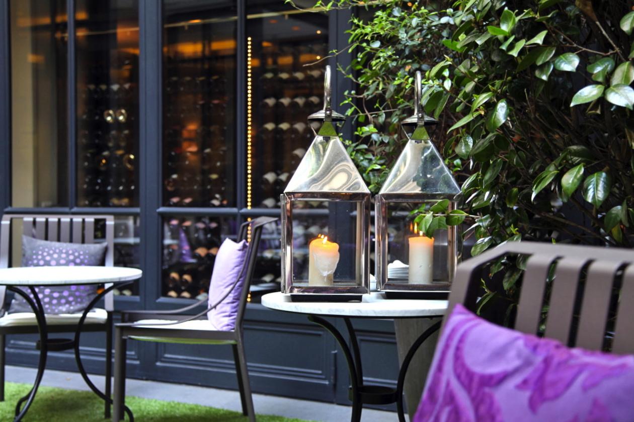 Hotel luxe paris chambre avec jacuzzi avec for Hotel les secrets de paris