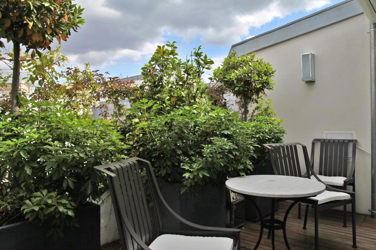 Jf partageraient appartement h tel le burgundy paris silencio - Appartement toit terrasse paris ...