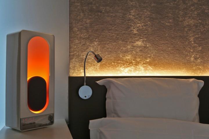 Hotel-Gabriel-Marais-Paris-Silencio-Chambre-Glowing-nightcove