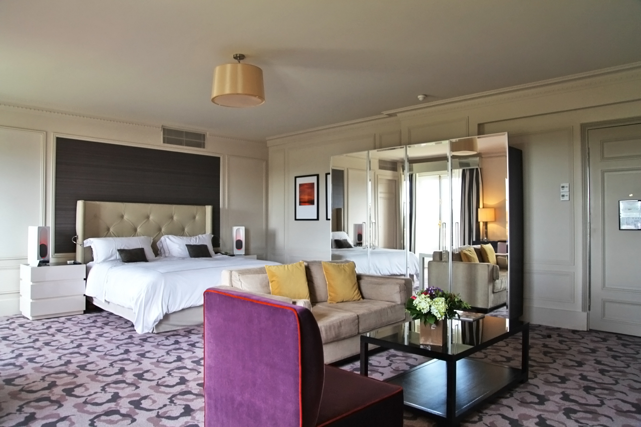 Autour du nightcove l 39 exp rience 5 sens au trianon palace versailles silencio - Hotel trianon versailles ...