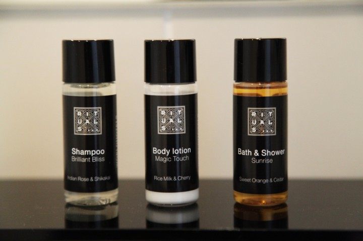 Hotel-Sir-FK-Savigny-Berlin-Silencio-Medium-room-products