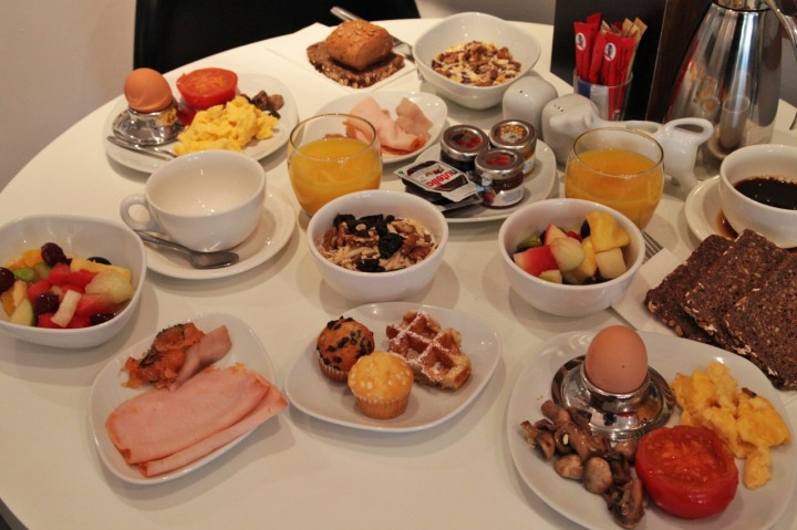 Hotel-Sir-FK-Savigny-Berlin-Silencio-breakfast