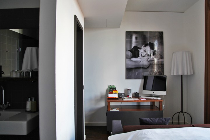 Hotel-The-Weinmeister-Berlin-Silencio-small-room 02