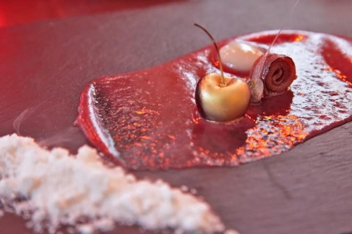 Restaurant-Maremoto-Berlin-Silencio-03-gazpacho-Kirschen
