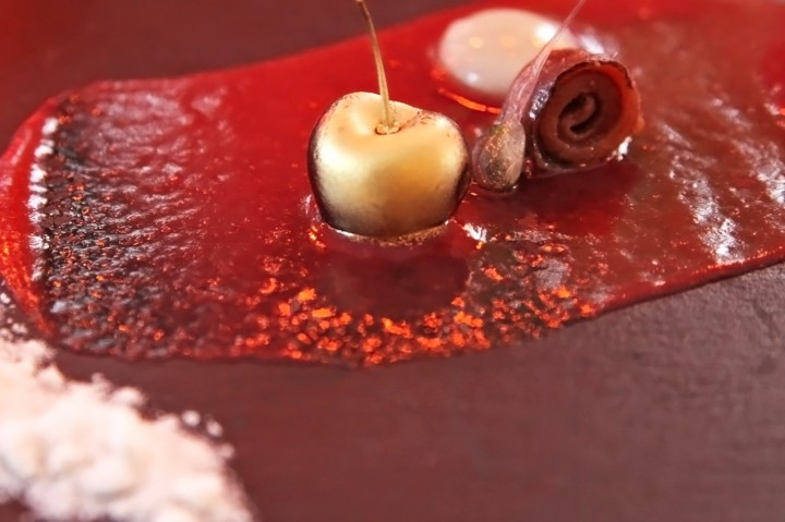 Restaurant-Maremoto-Berlin-Silencio-04-gazpacho-Kirschen