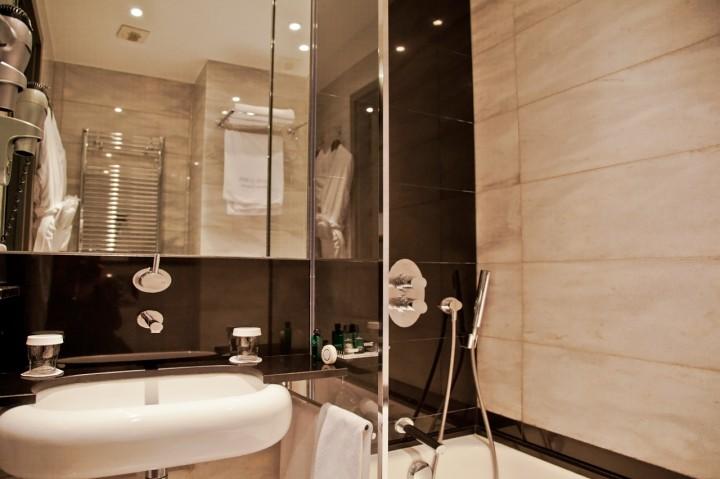 Hotel-Lumen-Paris-Silencio-sdb