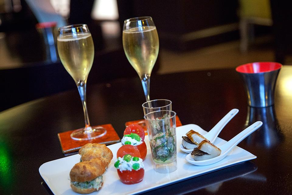 Hotel-Champs-Elysees-Plaza-Champagne-Taittinger-brut-prestige-Silencio