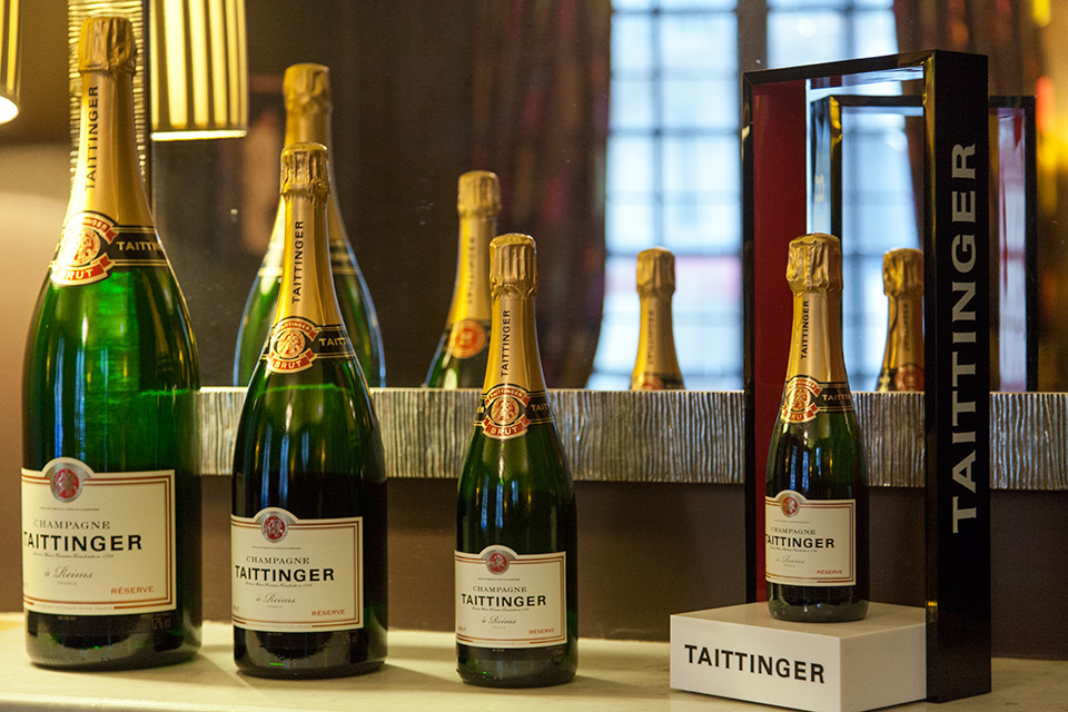 Hotel-Champs-Elysees-Plaza-Champagne-collection-Taittinger-Silencio
