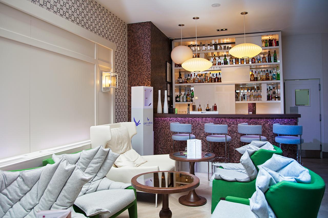 le bar de l 39 h tel bel ami paris 6e silencio. Black Bedroom Furniture Sets. Home Design Ideas