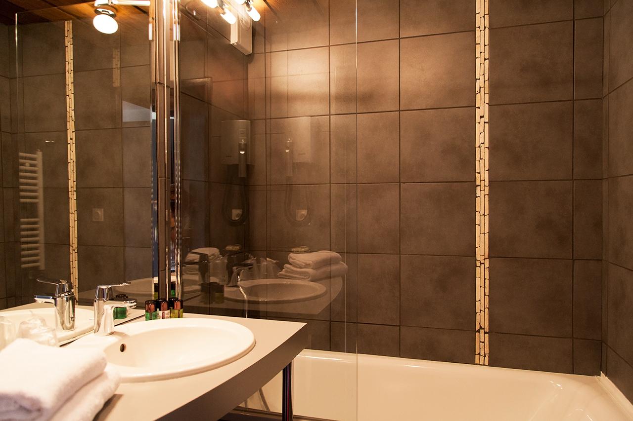Revgercom acheter salle de bain en allemagne idee for Carrelage adhesif salle de bain avec achat de led pas cher