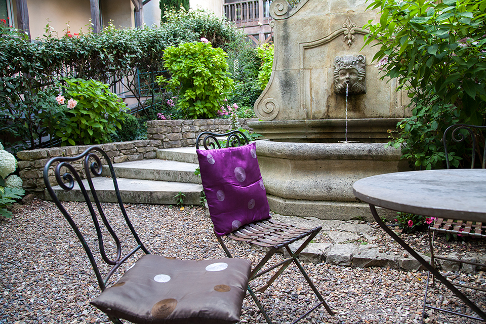 Les-Etangs-De-Corot-Silencio-patio 01