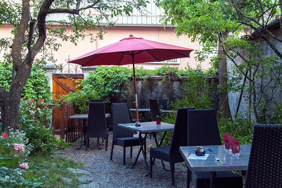 Ne quittez pas la vall e de l 39 ubaye sans silencio for Restaurant le jardin vias