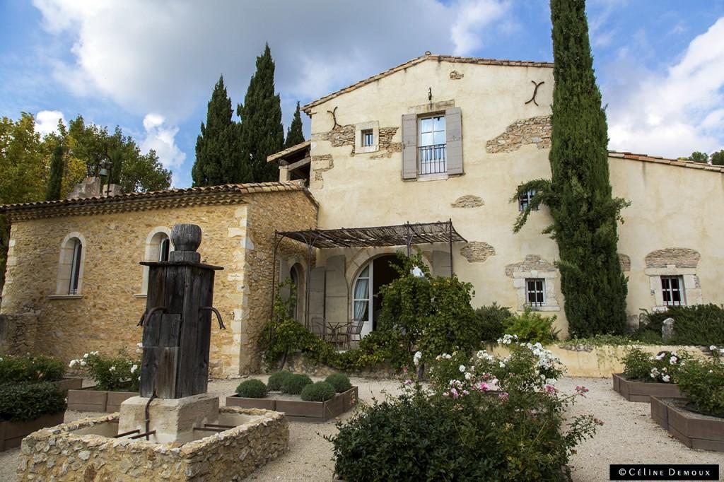 Hotel-Le hameau-des-Baux-Paradou-Silencio-chambre chapelle-exterieur 01