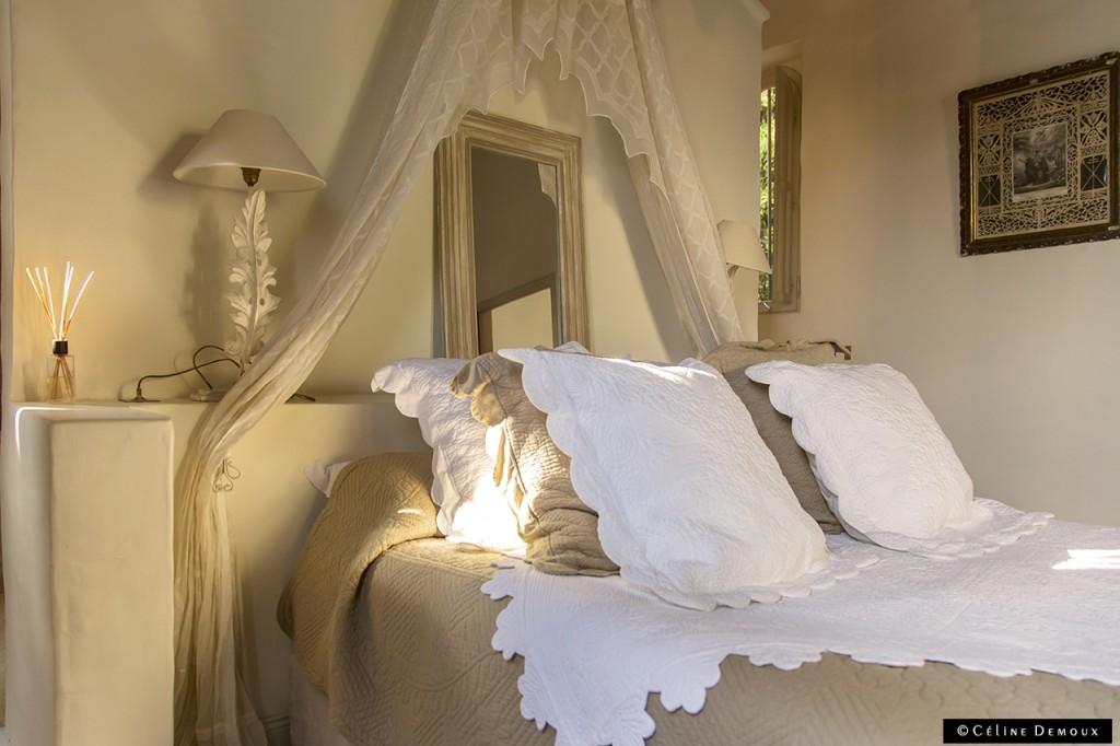 Hotel-Le hameau-des-Baux-Paradou-Silencio-chambre chapelle-lit