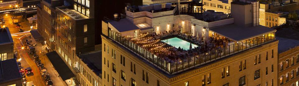 Le top des bars rooftops d 39 h tels new york silencio for Hotel avec piscine new york