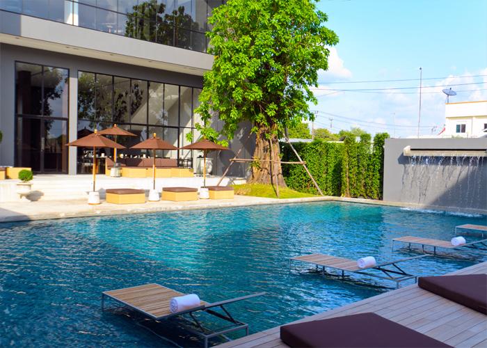 3 h tels de bonne qualit pr s de l a roport de bangkok silencio - Hotel bangkok piscina ...