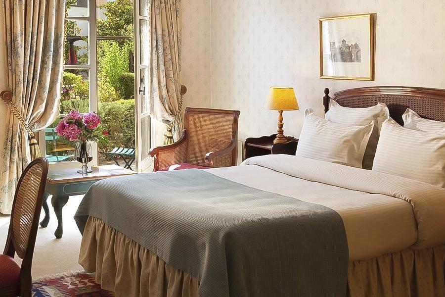 Le manoir de gressy pour un week end romantique pr s de - Hotel avec piscine pres de paris ...