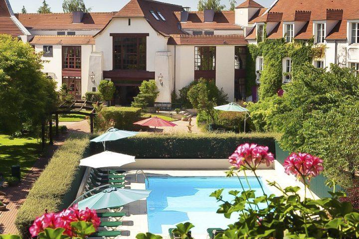 Hotel-Manoir-de-Gressy-silencio-piscine