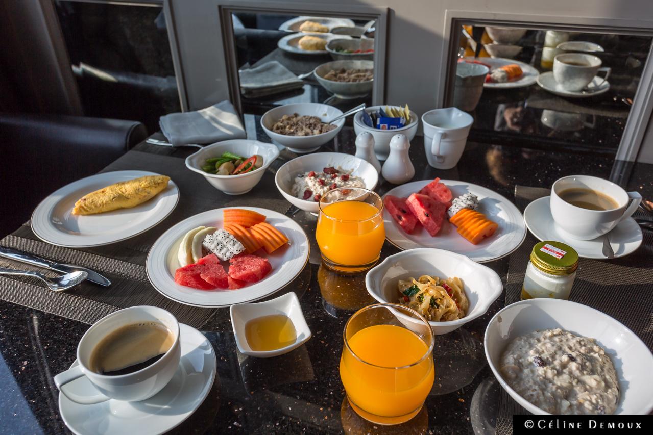 Muse-Hotel-Bangkok-Silencio-breakfast