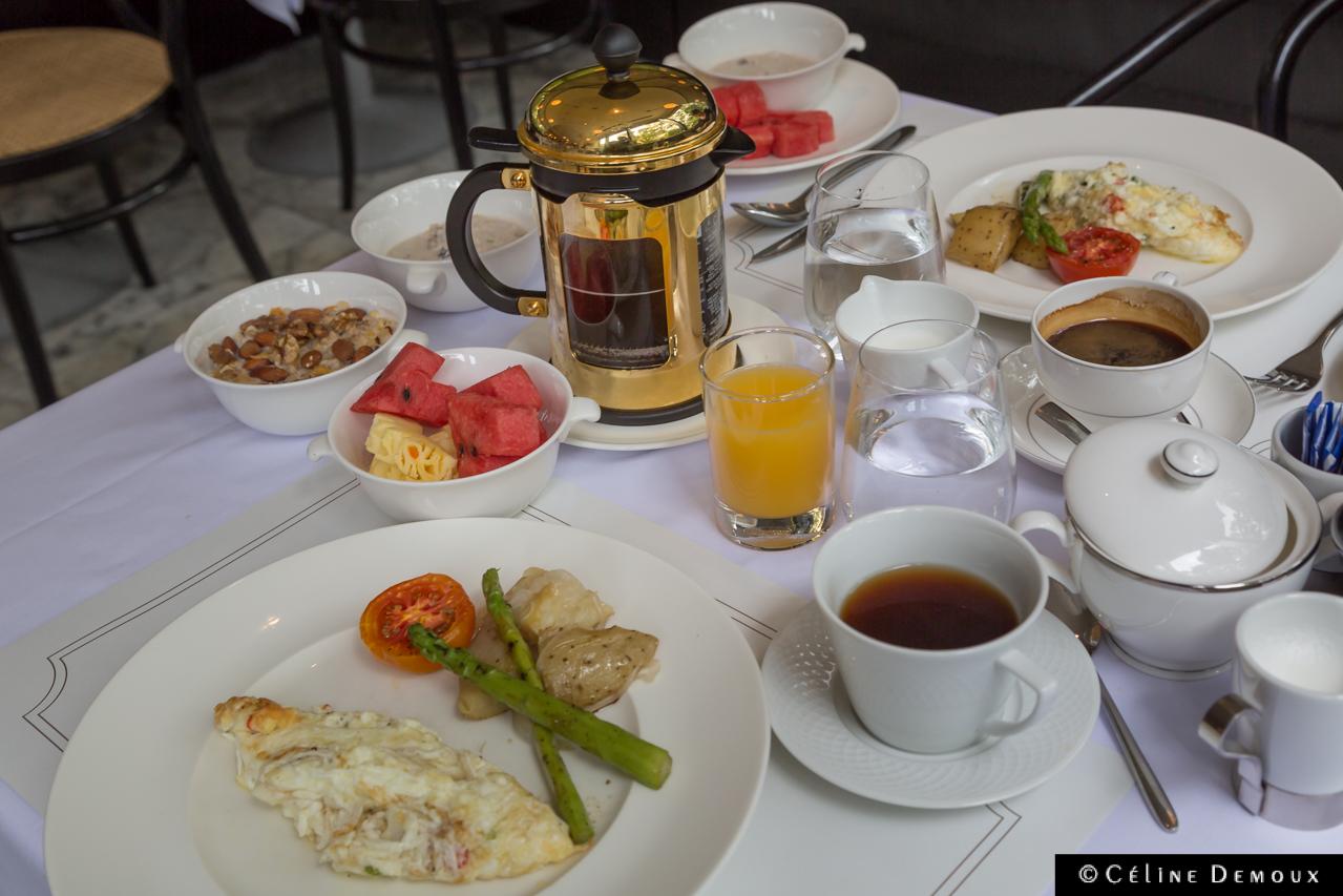 Oriental-Residence-Bangkok-Silencio-breakfast