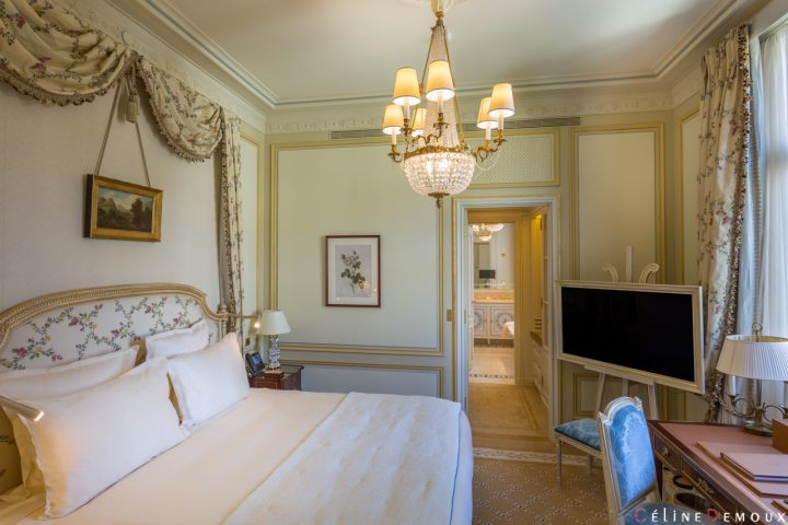 Hotel-Ritz-Paris-Grand-Deluxe-Room-Silencio-06