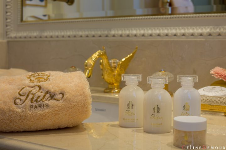Hotel-Ritz-Paris-Grand-Deluxe-Room-Silencio-bathroom-14