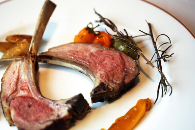 Restaurant-Arpege-Alain-Passard-Paris-Silencio-côtes-agneau