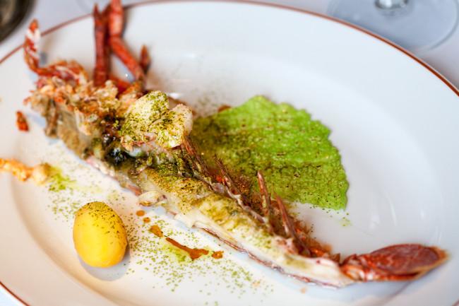 Restaurant-Arpege-Alain-Passard-silencio-aiguillette homard 01