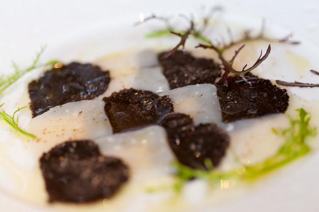 Restaurant-Arpege-Alain-Passard-silencio-saint jacques truffe 02
