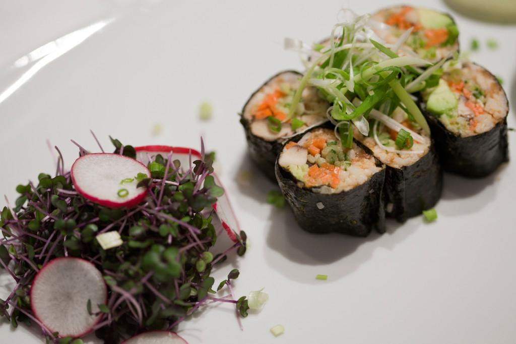 Glow-restaurant-Bangkok-Hotel-Metropolitan-raw-food-Silencio-makis-01