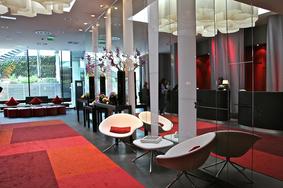Renaissance Paris Makassar Lounge Silencio Hotels Luxe