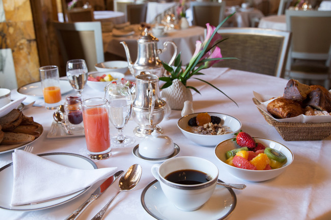Hotel-de-Crillon-Paris-Pack-fermeture-Silencio-breakfast 01