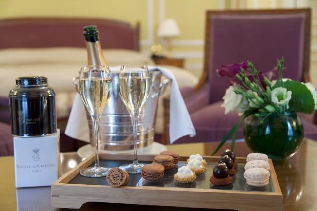 Hotel-de-Crillon-Paris-Pack-fermeture-Silencio-chambre executive-plateau accueil 01