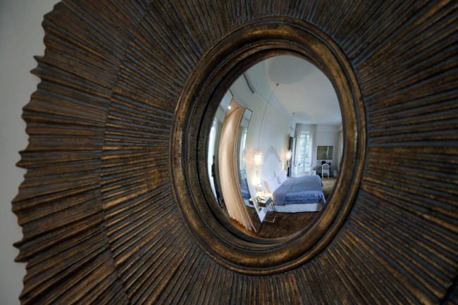 Hotel-Saint-James-Paris-Silencio-miroir
