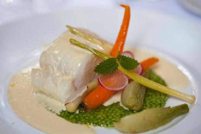 Restaurant-Hotel-Saint-James-Virginie-Basselot-Paris-cabillaud-02