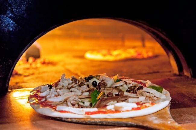Pizzeria-Chez-Bartolo-Paris-Silencio-01